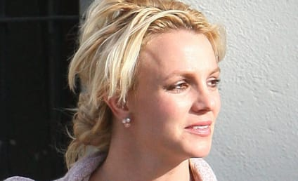 Britney Spears Goes Shopping in Lingerie