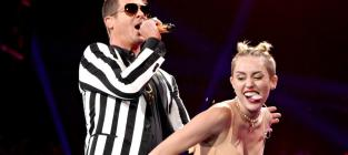 18 Memorable Miley Cyrus Performances