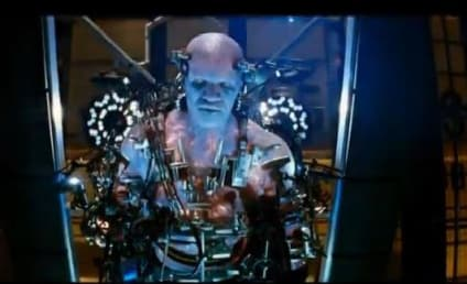 The Amazing Spider-Man 2 Comic-Con Teaser Trailer: Electro Arrives!
