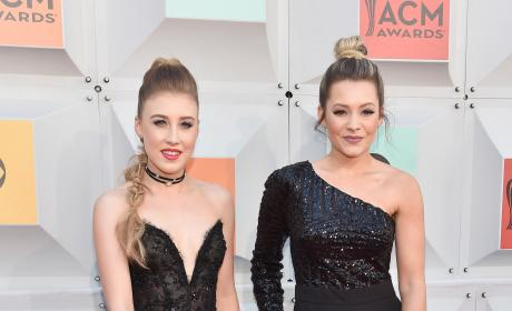 Maddie & Tae: 51st Academy of Country Music Awards