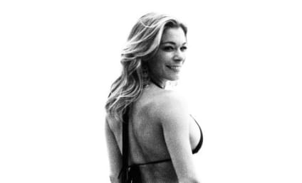 LeAnn Rimes Displays Curves on Twitter