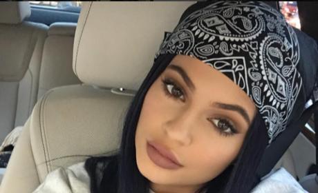 Kylie Jenner Shares ADORABLE Throwback Pic of Brother Rob Kardashian