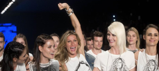 Gisele Bundchen Retires From Runway Modeling After 20 Years