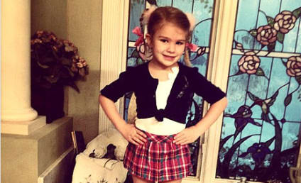 "Maddie Spears Dresses Like Aunt Britney for ""Celebrity Day"" At School!"