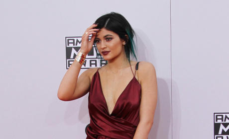 Kylie Jenner at the American Music Awards: OWNING the Red Carpet!