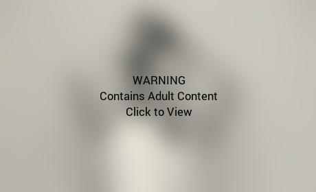 Kourtney Kardashian: Nude! Pregnant!