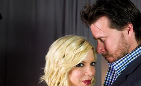 Tori Spelling Ignores Dean McDermott Cheating Allegations