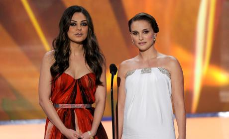 Mila Kunis Natalie Portman SAG Awards 2011
