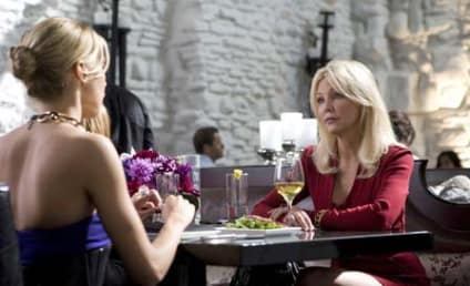 Melrose Place Spoiler Pic: Heather Locklear Returns!