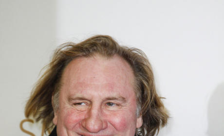 Urine Trouble: Gerard Depardieu Relieves Himself in Airplane Aisle
