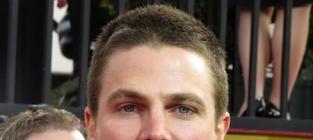 Stephen Amell to Star in Fifty Shades of Grey?