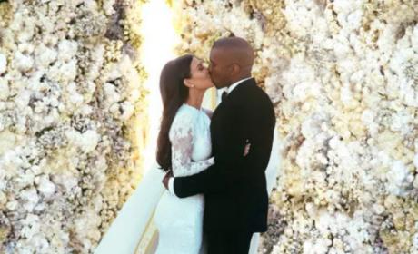 Kim Kardashian Wedding Photo Booth: See the Pics!