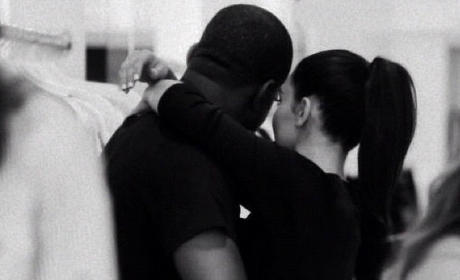 Kim Kardashian and Kanye West Twit Pic