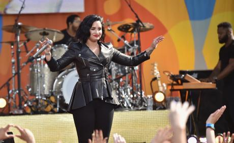 Demi Lovato: Eff It, I'm Back on Twitter!