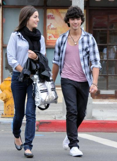 Camilla Belle and Joe Jonas Picture