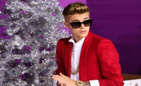 Justin Bieber Search Warrant Issued, Police Raid Singer's Home