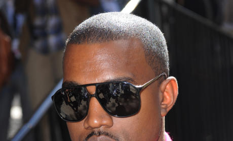 Kanye West Trash Talks Britney on Twitter