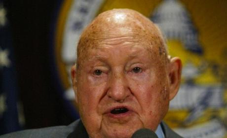 Truett Cathy Dies: Controversal Chick-Fil-A Founder Was 93
