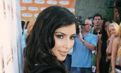 Kim Kardashian Gives Back to the Kommunity