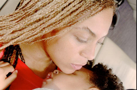 Beyonce Kissing Blue Ivy