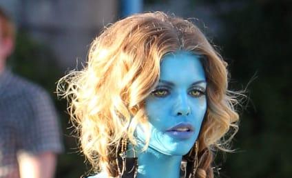 AnnaLynne McCord vs. Zoe Saldana: Battle of the Na'vi!