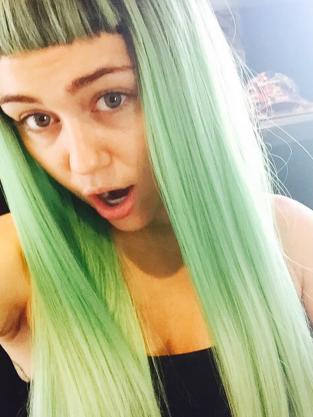 Green bangs!