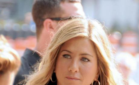"Source: Jennifer Aniston is ""Fragile,"" Bursts Into Tears Thinking of Brad Pitt"