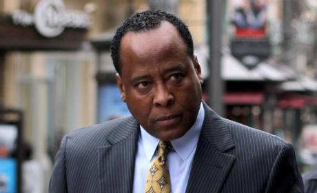 Mother of Conrad Murray to Judge: Free My Son!!