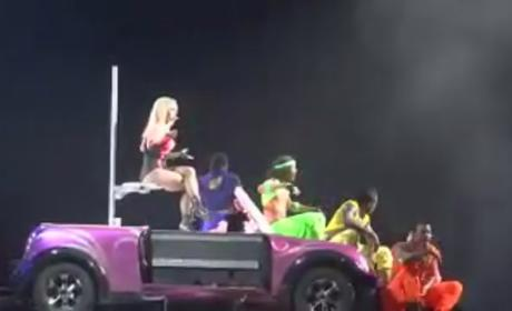 Britney Spears: Pole Dancing For Pauly D!