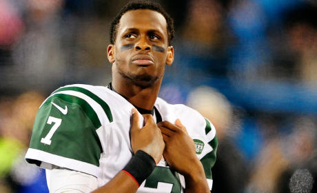 Geno Smith Punched in Face By Teammate, Out 6-10 Weeks