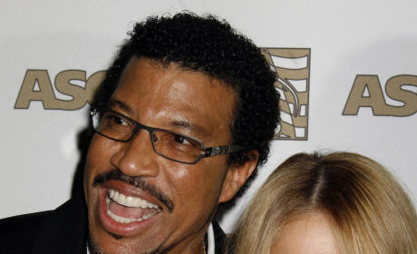 Lionel Richie Fears For Nicole's Health