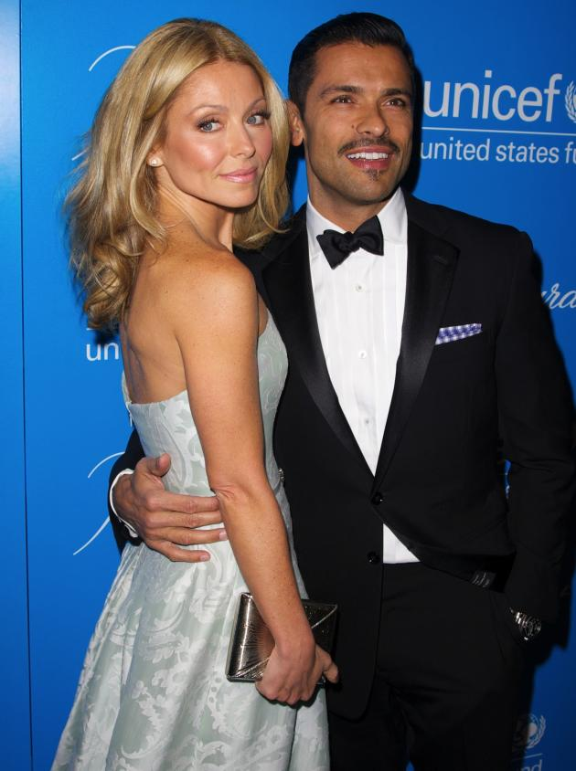 Kelly Ripa and Mark Consuelos Pic