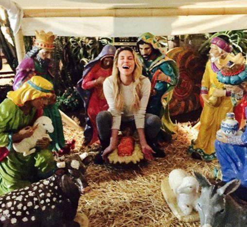 Brandi Glanville Squats Over Baby Jesus