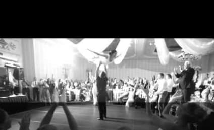 Couple Performs Iconic Dirty Dancing Scene At Wedding, Totally Nail It