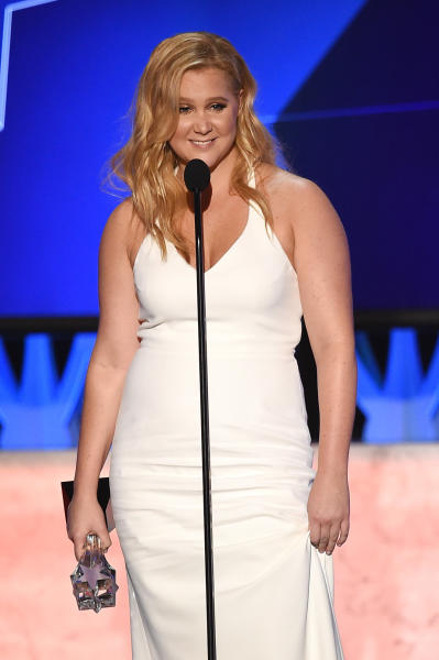 Amy Schumer Wins Critics Choice Award