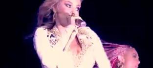 Carmen Electra - Bigger Dick (Live)