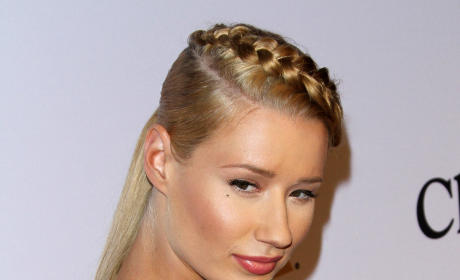 Iggy Azalea Has QUITE The Message For Nick Young and Keonna Green