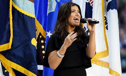Idina Menzel National Anthem Performance: Grade It!