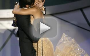 Adrien Brody Kisses Halle Berry!