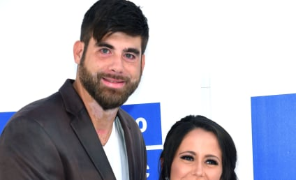 Jenelle Evans, Baby Bump Hit Red Carpet Amid Controversy