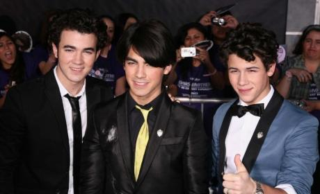 Stars Attend World Premiere of Jonas Brothers: The 3D Concert Experience