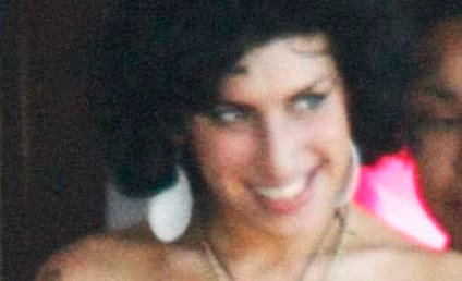 Breaking News: Amy Winehouse Still in St. Lucia