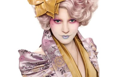 Elizabeth Banks as Effie Trinket: First Promo Pic!