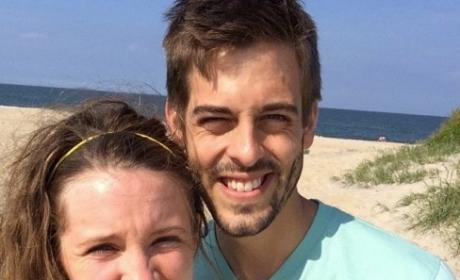 """Jill Duggar Posts Honeymoon Photo, Celebrates """"Weekiversary"""""""