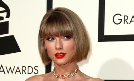 Taylor Swift Goes BLEACH BLOND for Coachella: PHOTO