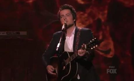 "Lee DeWyze Returns to American Idol, Finds ""Silver Lining"""