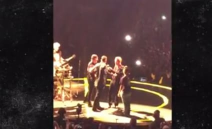 Jimmy Fallon Sings at U2 Concert: Watch!