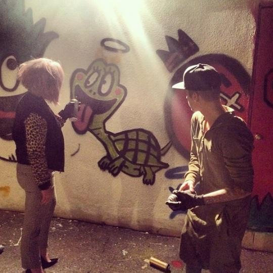Kelly Osbourne and Justin Bieber Tag