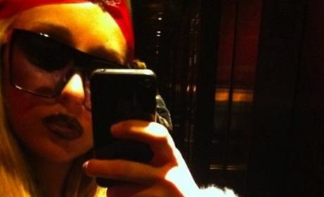 Amanda Bynes Joins Instagram... Is Her Usual Self