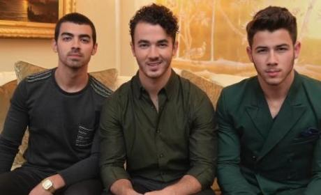 The Jonas Brothers Break Up, Twitter Reacts: NOOOOO!!!!!!!!!